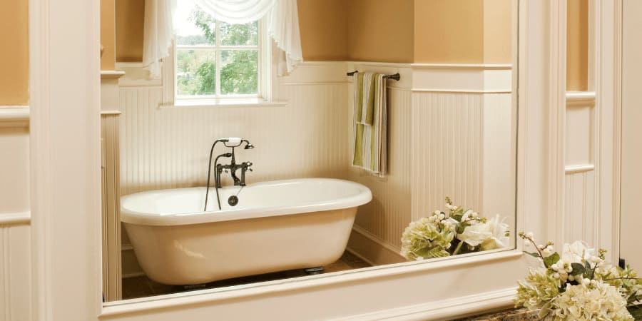stand alone farmhouse tub