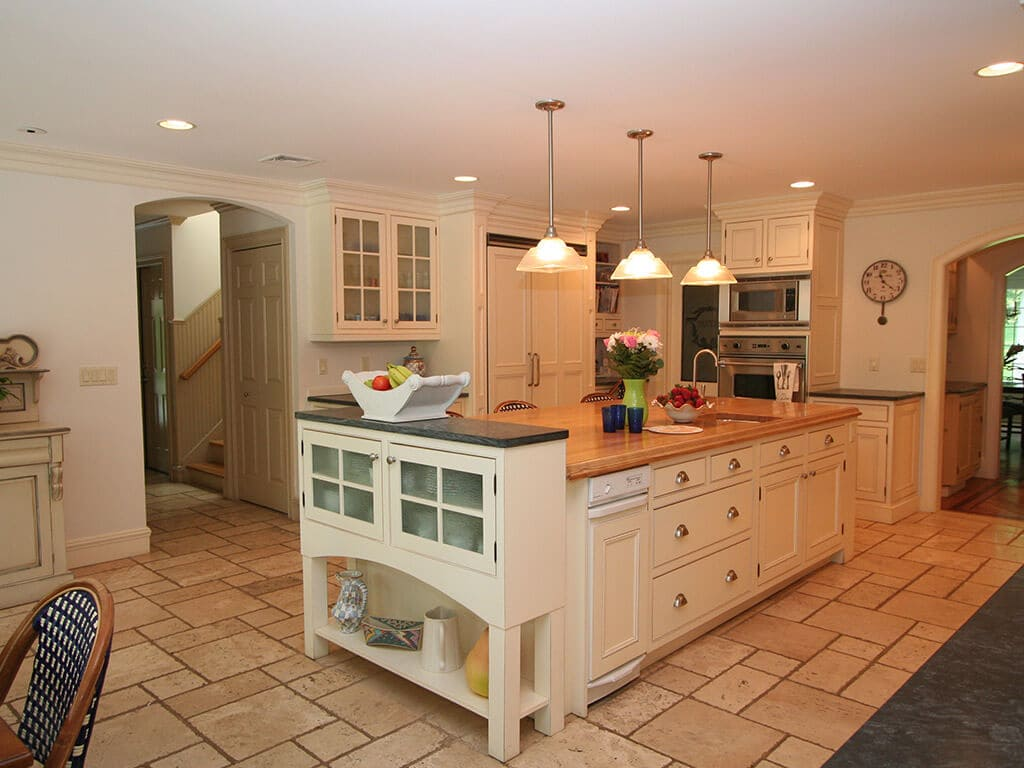 Traditionally Styled Off-White Kitchen in Mt. Lakes