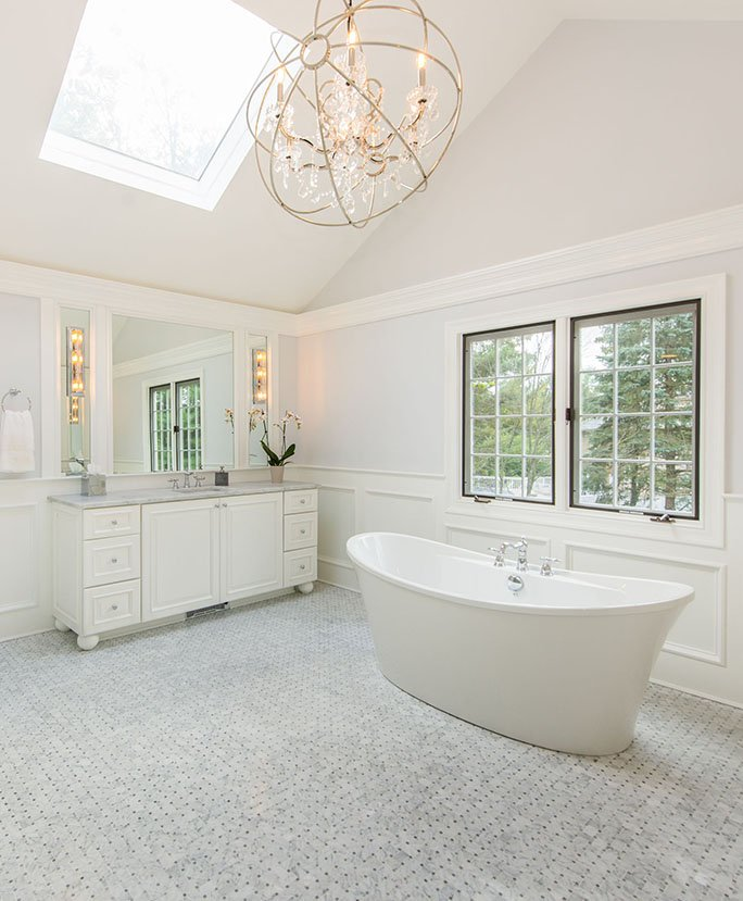luxurious-large-master-bath
